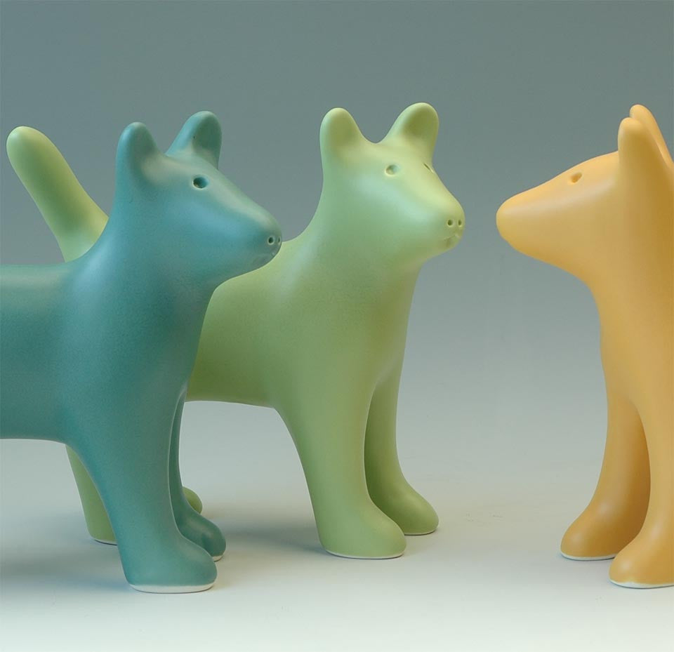 VENICE-CLAY-DOG-SCULPTURE-LIVING-HOME-DECOR-CERAMIC-CUTE-GIFT-ourgallerystore-museum-store-contemporary-art-high-design-functional-art