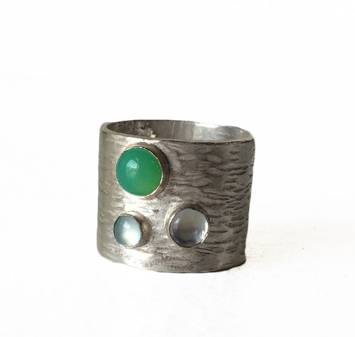 Anneli Accomazzo Wide Three Stone Ring