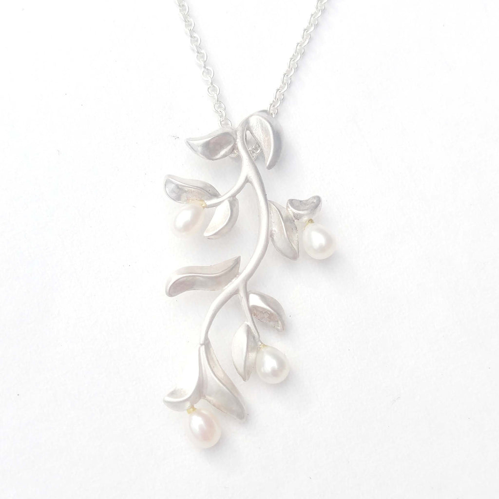 Foliage with Pearls Pendant
