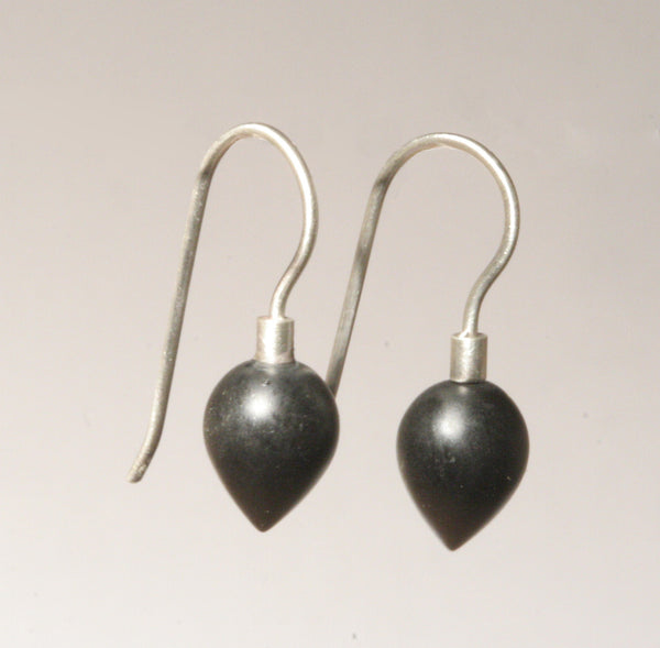 Onyx Mini Point Earrings