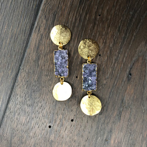 Hammered geometric earrings with druzy inserts - gold tone