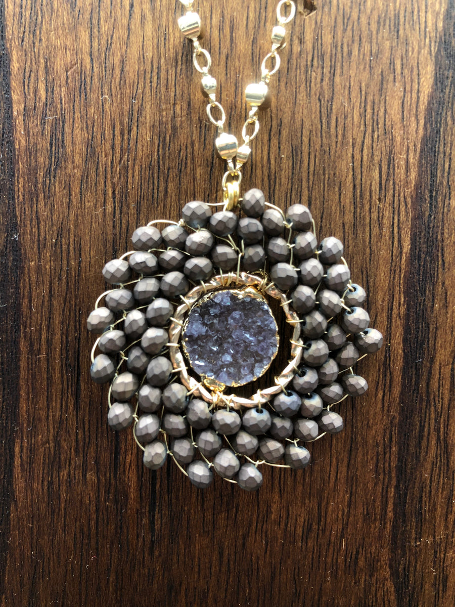 Seed bead disc necklace with druzy center