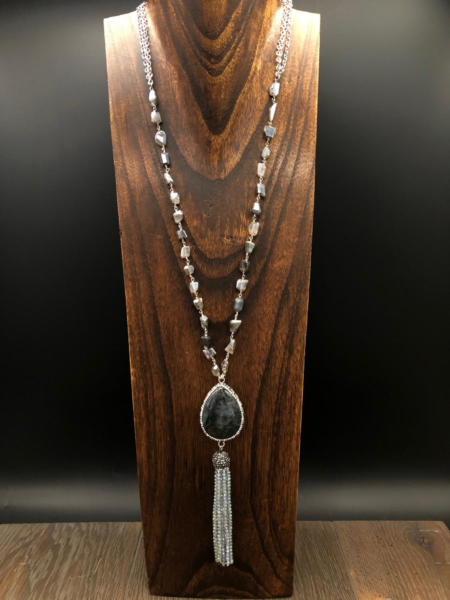 Labradorite cushion tassel necklace