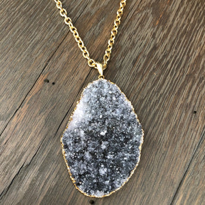 XL Druzy oval necklace on textured chain - gold