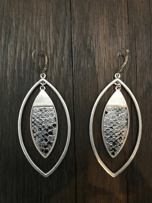Snakeskin print marquis drop earrings - silver