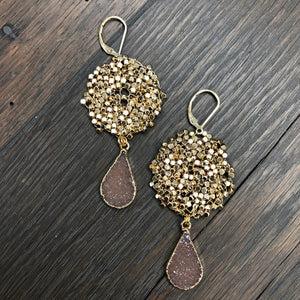 Pebble disc earrings with druzy drops - gold