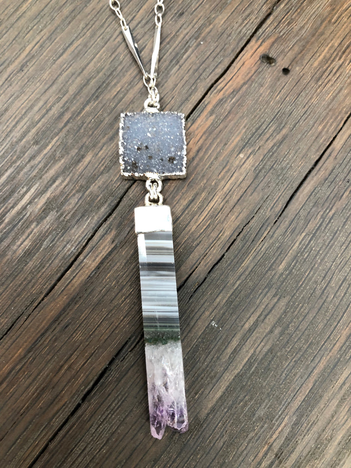 Druzy and amethyst slice bar necklace - gray