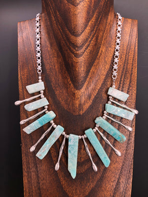 Stone spear statement necklace