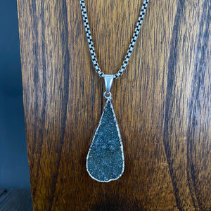 Druzy pendant on box chain - antique silver