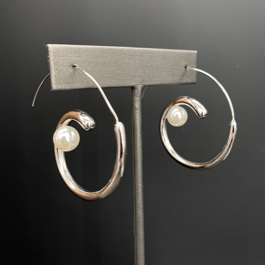 Pearl swirl earring - silver and gold