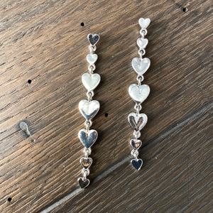 Tiny heart row dangle earring - silver, gold