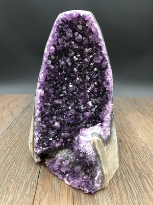 Amethyst tower, cut, flat base, polished sides