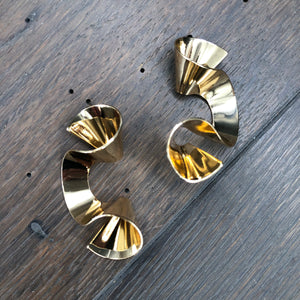 Metal ribbon wave earrings - silver, gold, rose gold
