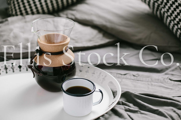 Black + White Cozy Bed 02