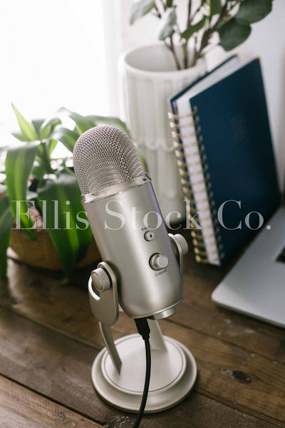 Neutral Podcasting Workspace 23