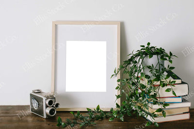 Neutral Frame Mockup 10