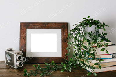 Neutral Frame Mockup 12