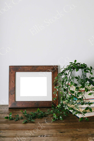Neutral Frame Mockup 13