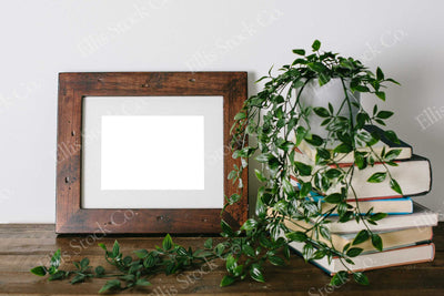 Neutral Frame Mockup 14