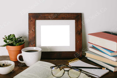 Neutral Frame Mockup 15