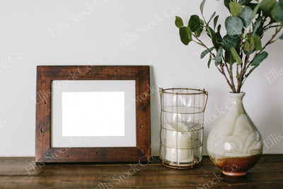 Neutral Frame Mockup 05