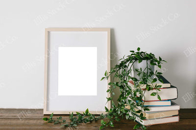 Neutral Frame Mockup 08
