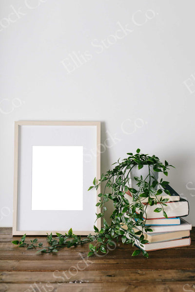 Neutral Frame Mockup 09