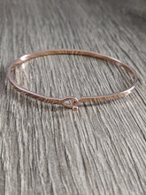 Load image into Gallery viewer, DAINTY STAMPED BRACELET