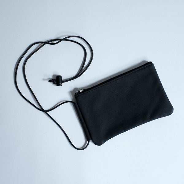 ERA. LEATHER POUCH BLACK