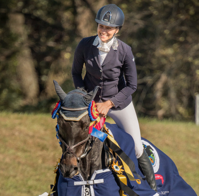 Frankie Thieriot Stutes' horse Chatwin awarded Eventing Nation Horse of the Year !