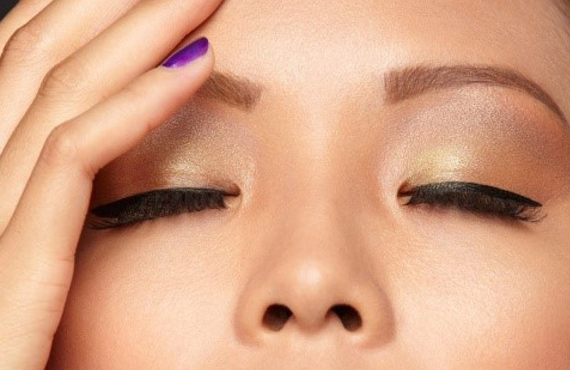 4 Ways to Get Concealer Working Better  from a Top Makeup Pro
