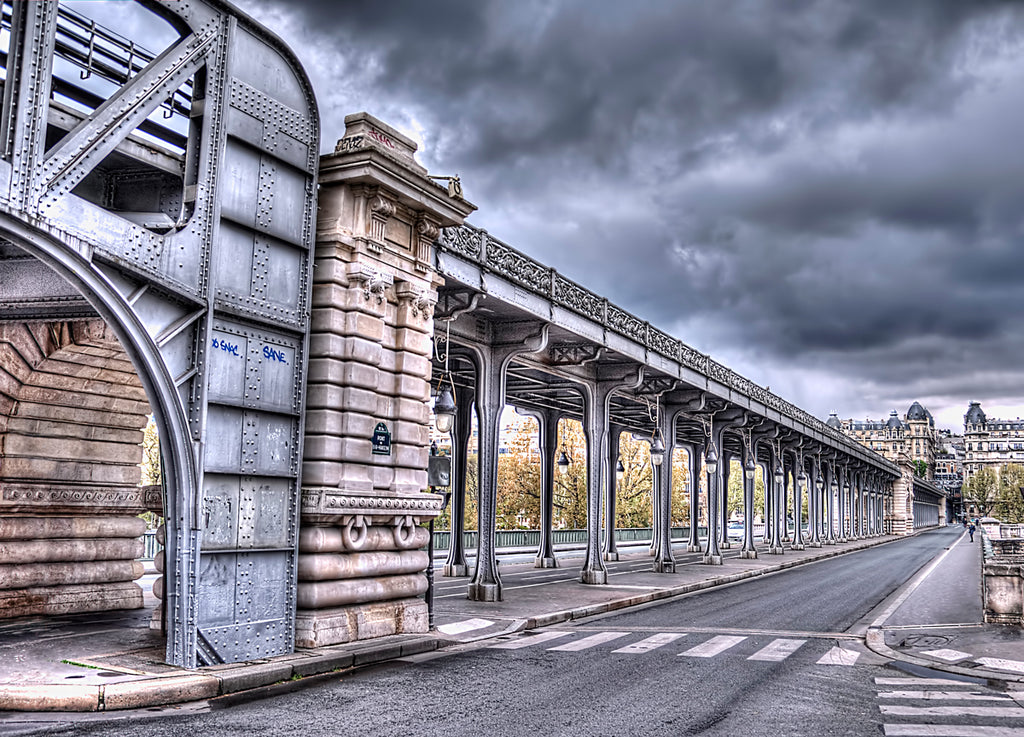 Midlife in Paris Bir Hakeim