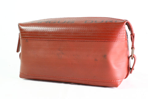 Wash Bag (Large / Red) by Elvis & Kresse