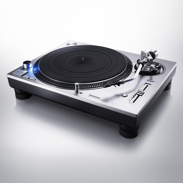 Technics SL-1200GR Grand Class Direct Drive Turntable (optional Ortofon 2M Cartridge)