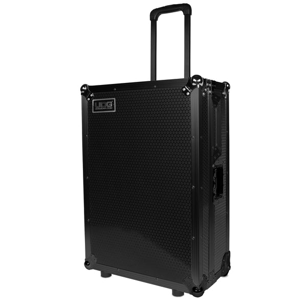 UDG Ultimate FLIGHT CASE Scratch Black Plus (Trolley + Wheels)