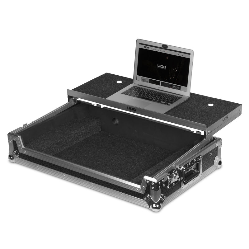 UDG Ultimate Flight Case Pioneer DDJ-1000 Silver Plus (Laptop Shelf + Wheels)