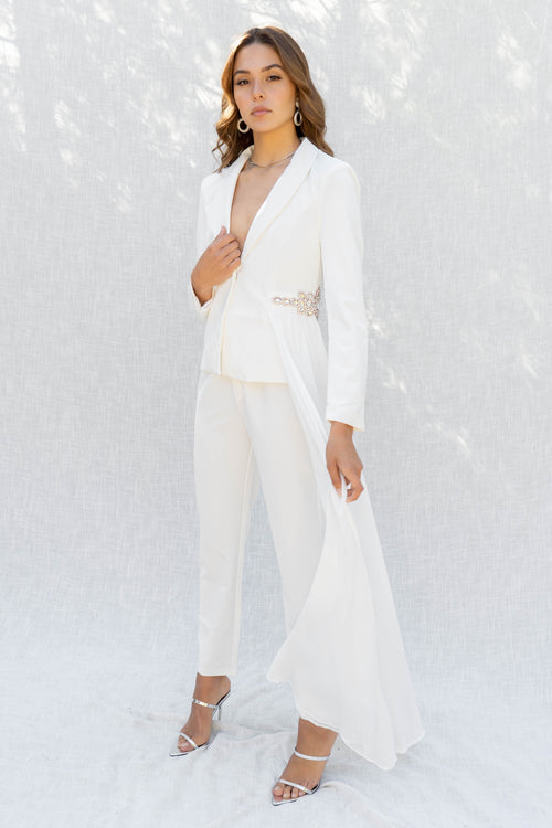 All White Affair Blazer Set