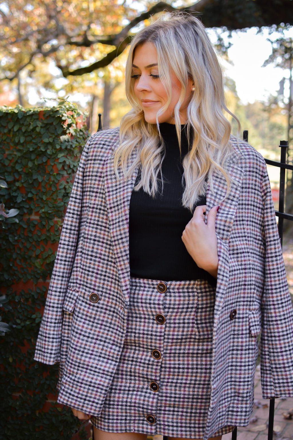 NOBODY'S BUSINESS OVERSIZED PLAID BLAZER