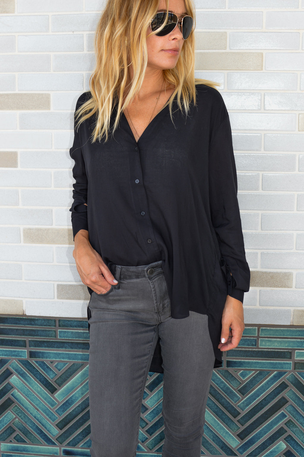 EVERYTHING BUT BASIC BUTTON DOWN TUNIC TOP