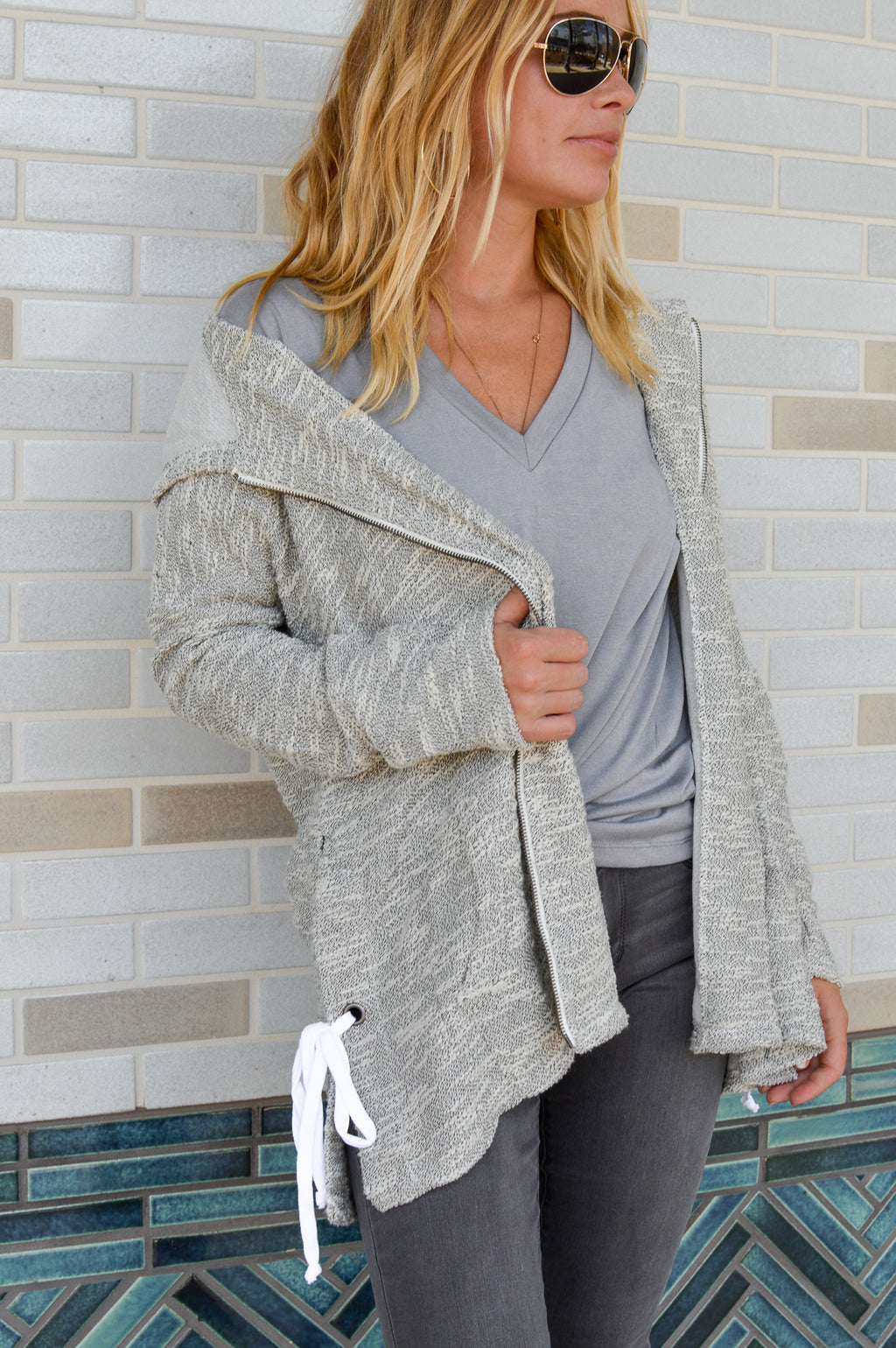 JACK BY BB DAKOTA THE AVA HEATHERED GRAY HOODIE