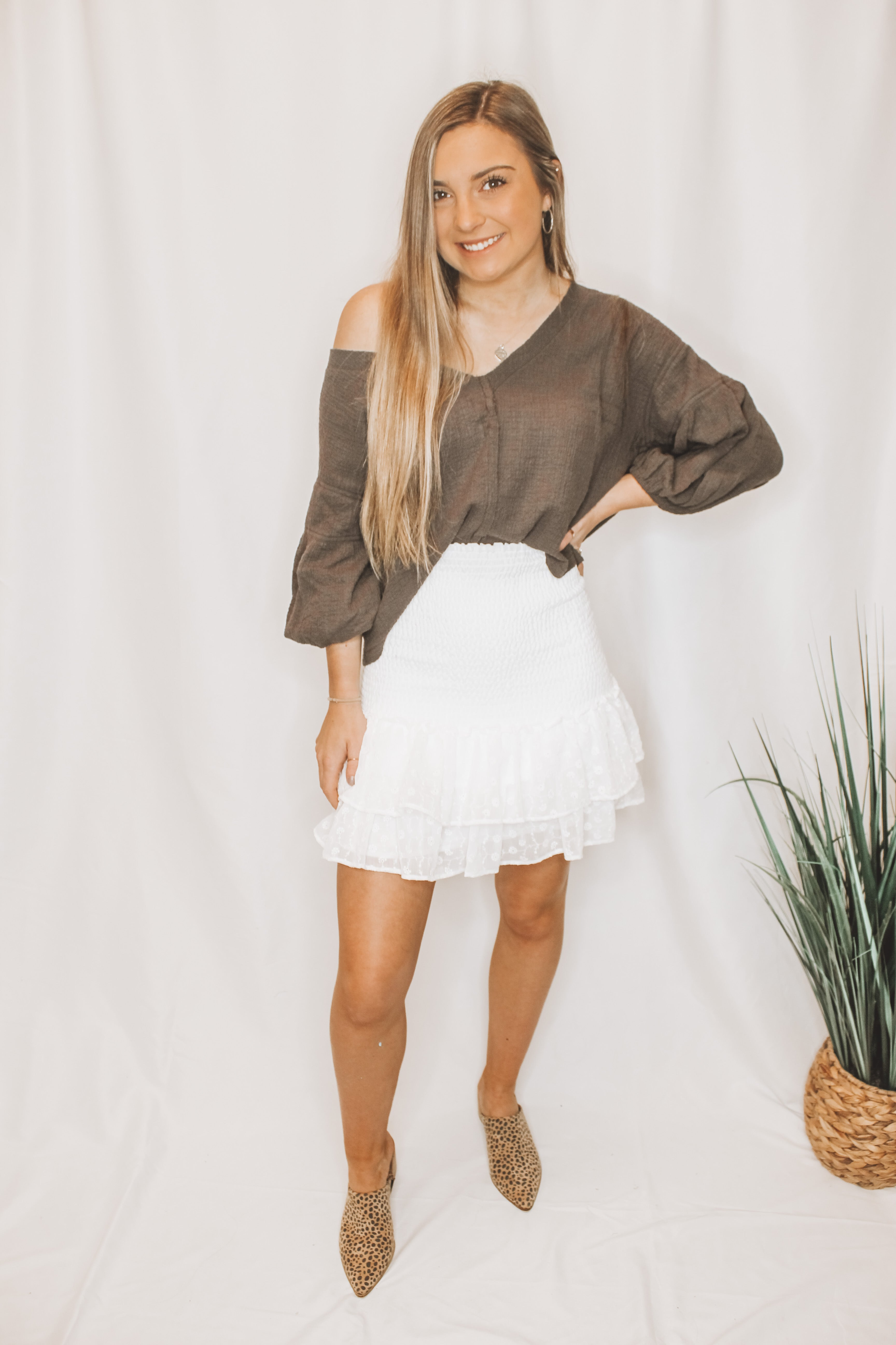 GIRL MEETS RUFFLE SMOCKED MINI SKIRT