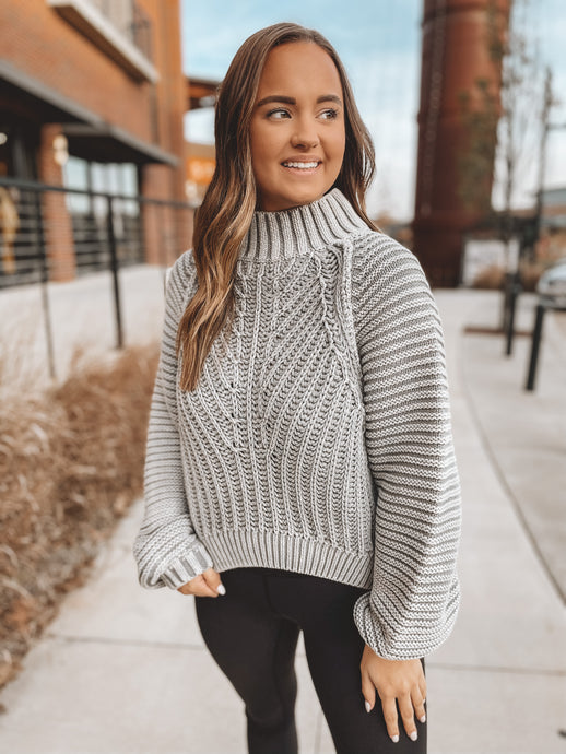 SWEETHEART SWEATER - LIGHT GREY