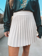 PLEAT ME RIGHT SKIRT