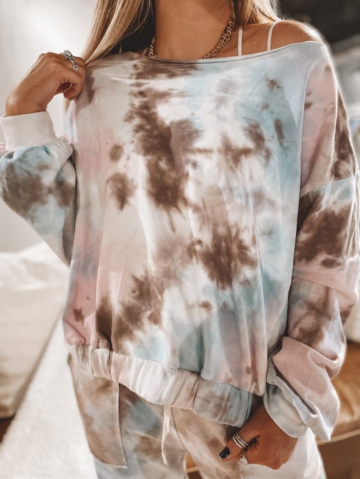 COLOR ME COMFY TOP