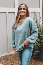 MIDTOWN KNIT SWEATER - BLUE
