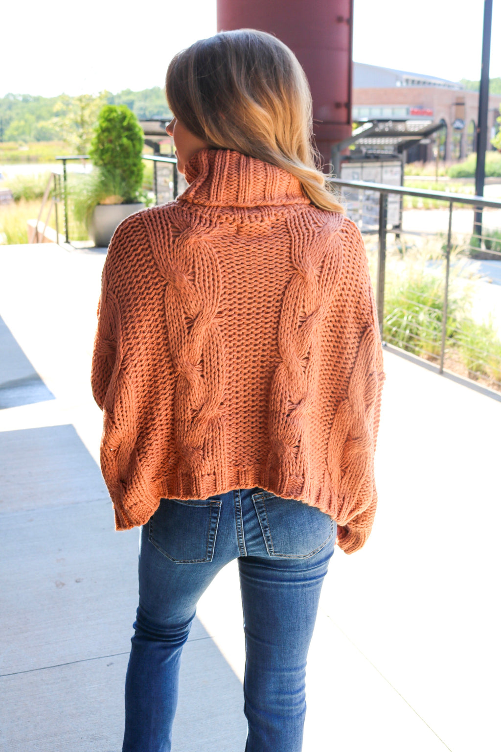 WINDY HILL SWEATER - RUST