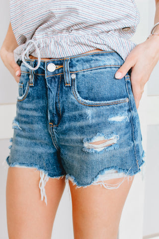 BLANK NYC - THE BARROW - VINTAGE HIGH-RISE SHORTS LIGHT WASH DISTRESSED