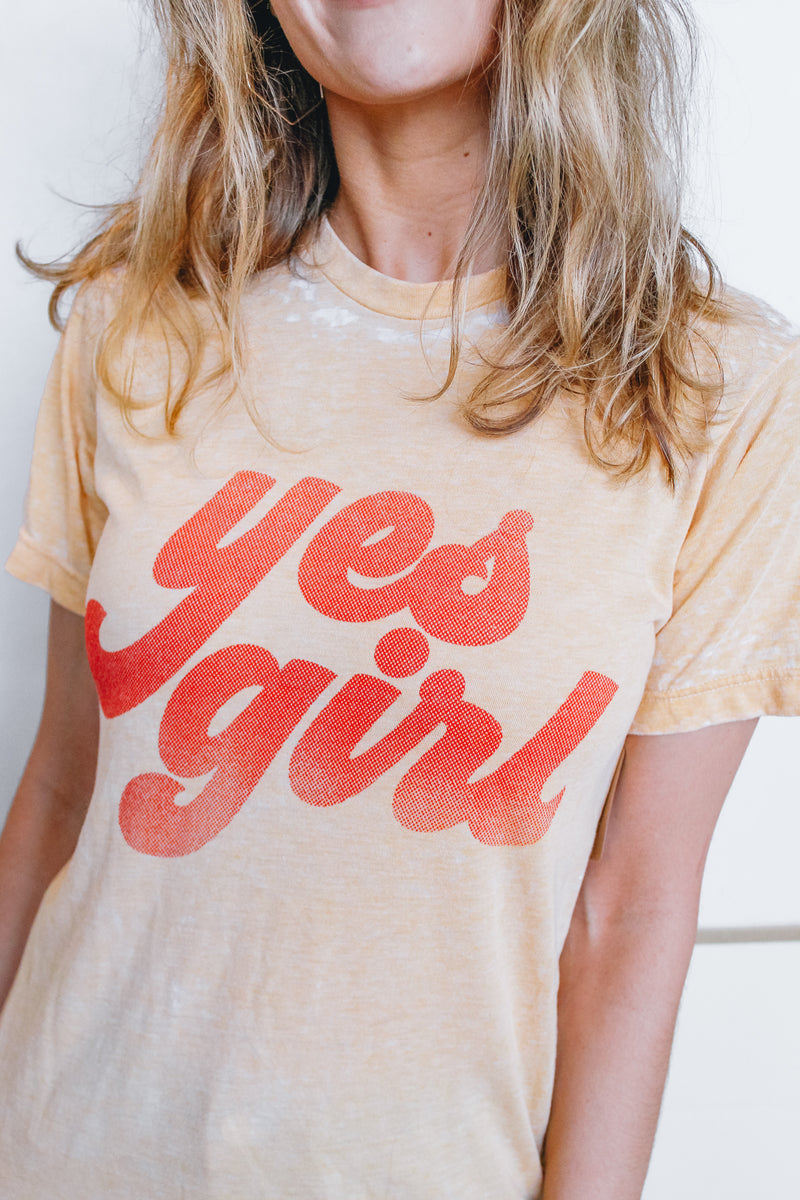 YES GIRL GRAPHIC TSHIRT