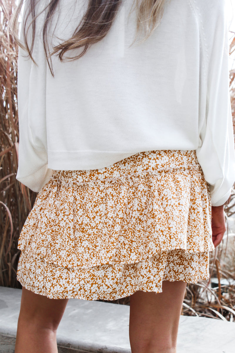 FIELD OF DAISY'S SKIRT
