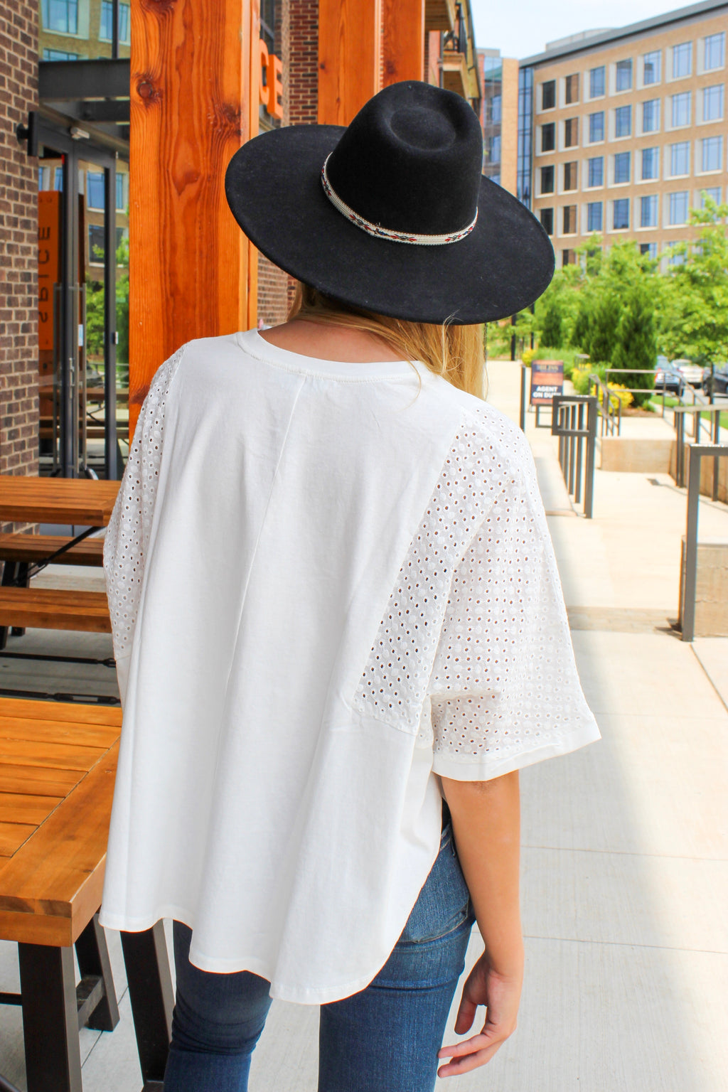 EYELET IT BE TOP